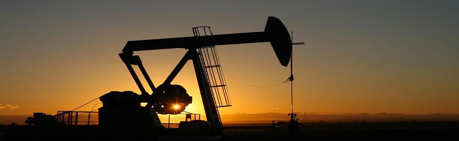 Почему нефть дешевеет, а бензин дорожает?