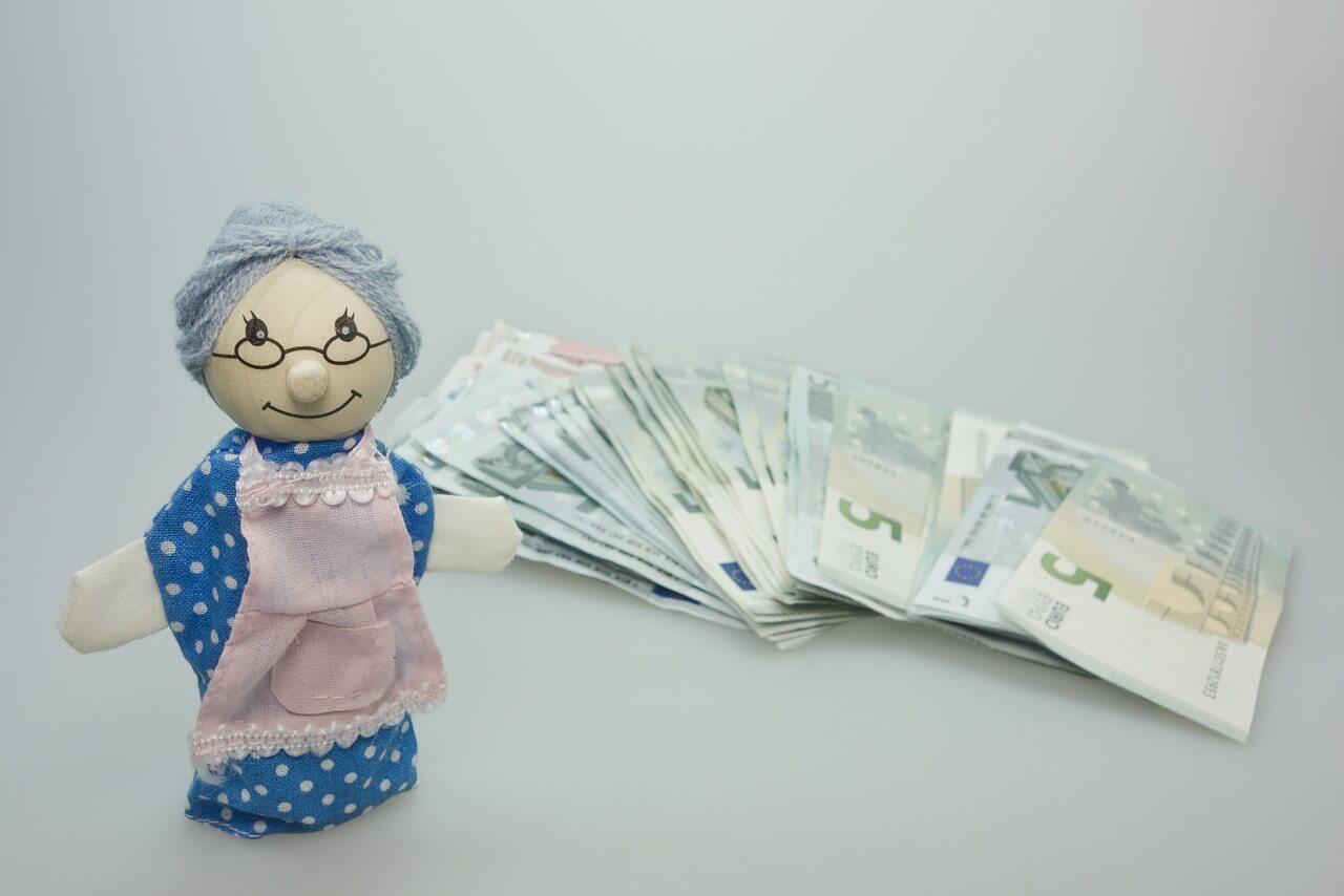 Как накопить на пенсию с помощью страхования