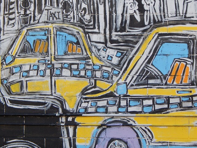 Такси через приложение: можно ли сэкономить
