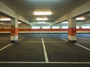Платная парковка во дворе: возможно ли это