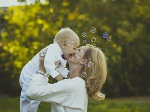 Уход за ребенком: расчет пособия