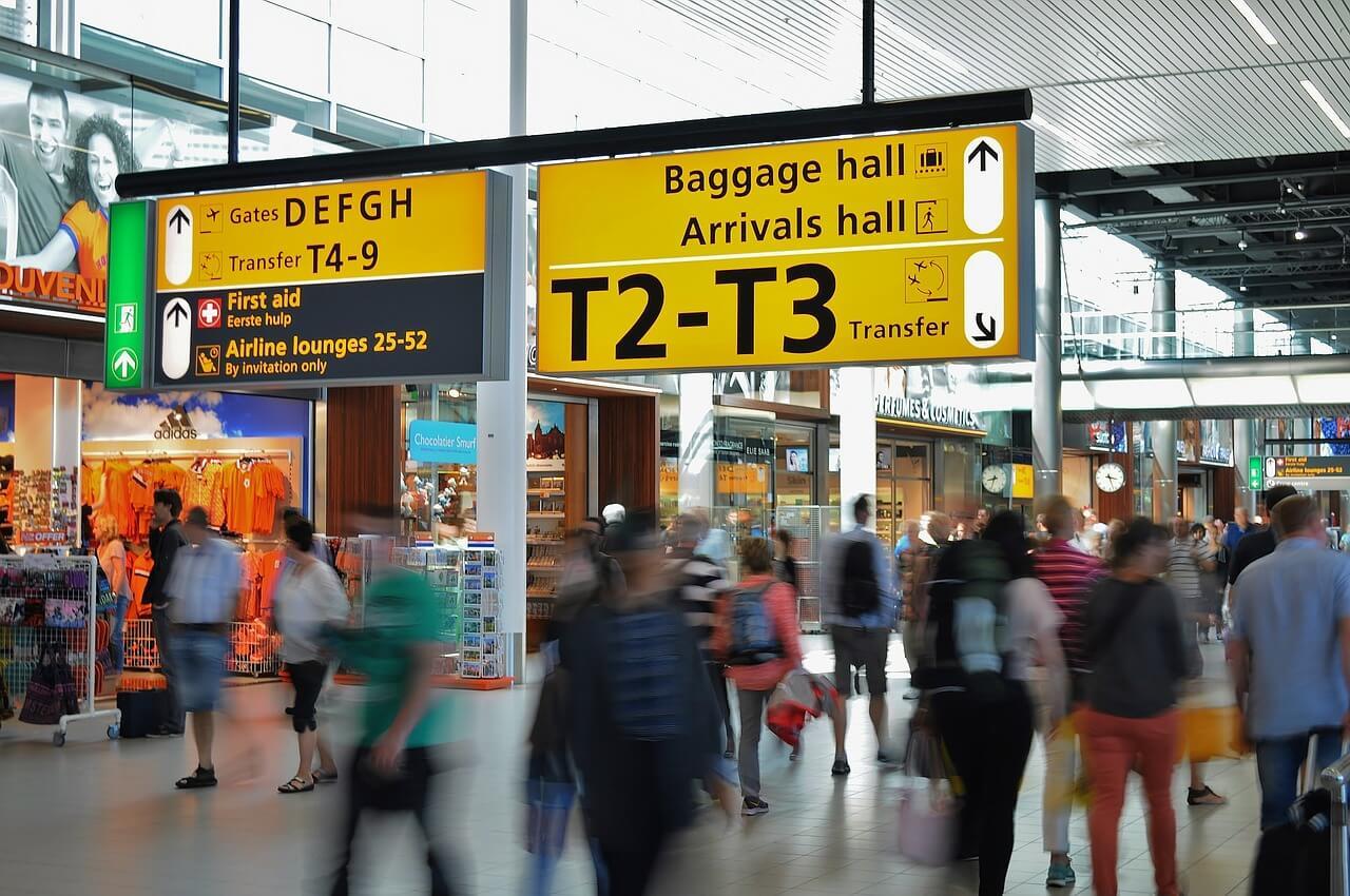 Выгодно ли покупать в duty-free?
