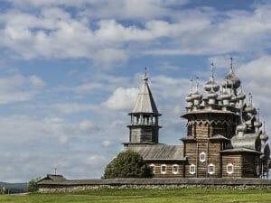 Отдых в России: Онежское озеро — от острова Кижи до древних петроглифов
