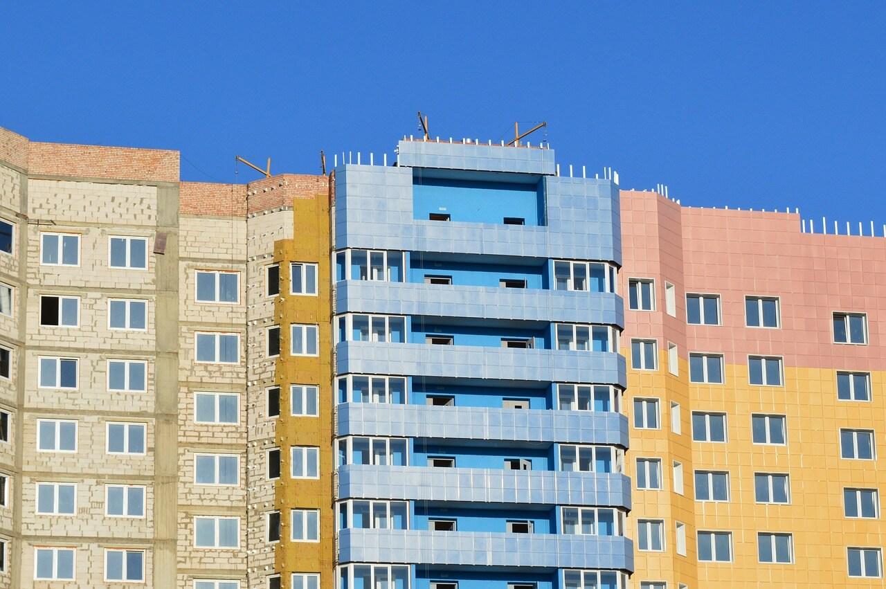 Можно ли сэкономить на покупке квартиры в новостройке