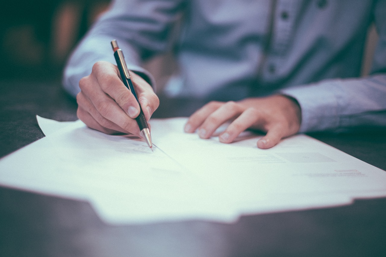 Почему договор дарения — ненадежная сделка