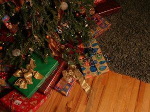 Что подарить на Новый год: топ-5 подарков для близких