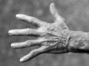 Хиромантия и деньги: что говорят ваши руки о богатстве