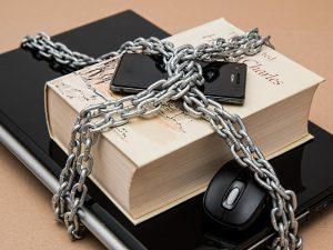 За семью замками: как защитить персональные данные в интернете