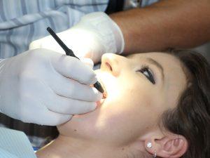 Сколько стоит вылечить зуб?