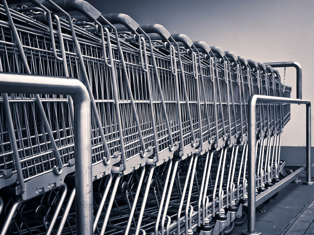 К чему приведет ограничение времени работы гипермаркетов?