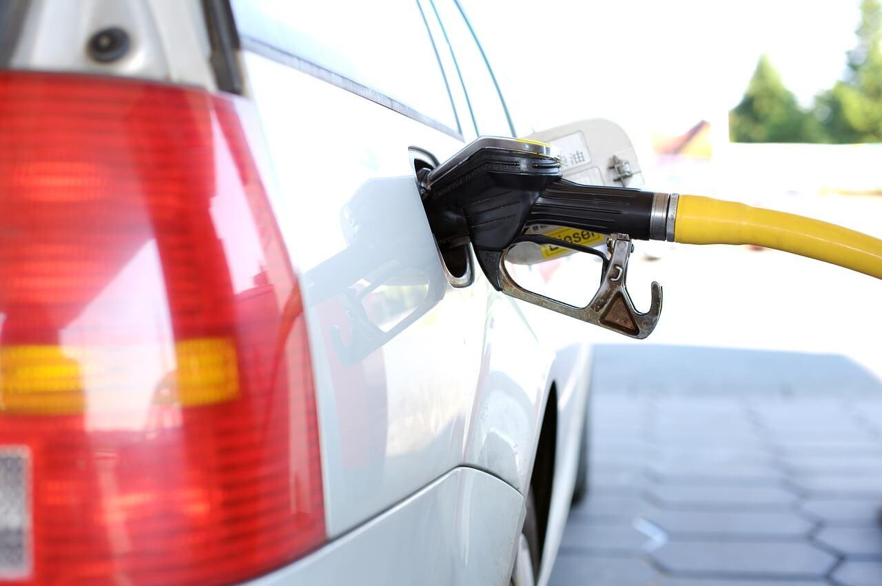 Чем грозит россиянам повышение цен на топливо