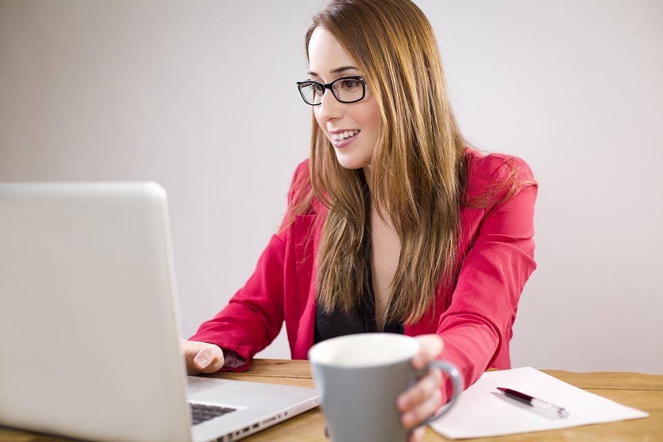 На чем и сколько зарабатывают продюсеры онлайн-курсов