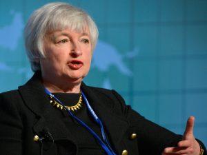 Валютный обзор за неделю: доллар двинулся к 60-62 рублям
