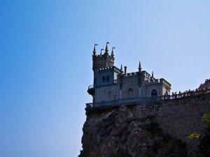 Стоит ли покупать недвижимость в Крыму
