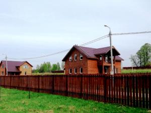 Участки в поселках: инвестировать можно, но не нужно?