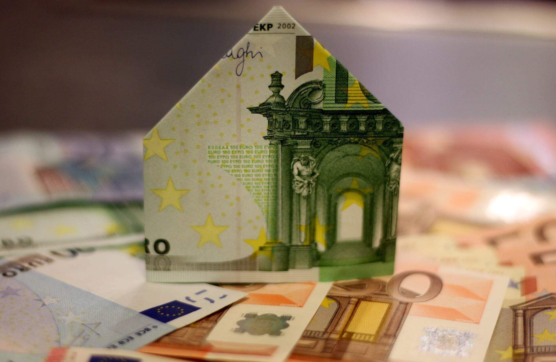 Сколько банков нужно России