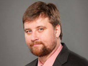 Алексей Макаров: «Шампанское с новогоднего стола никуда не исчезнет»