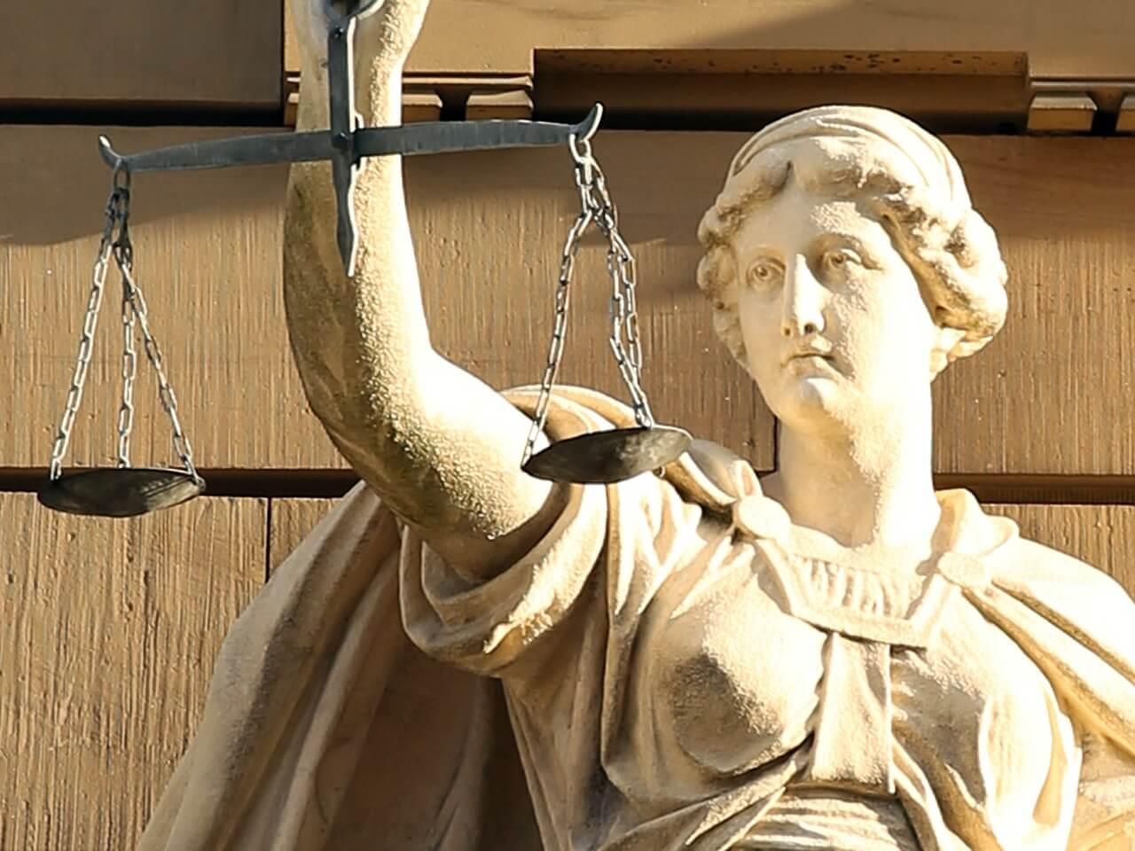 Юрист государев: кто защитит гражданина