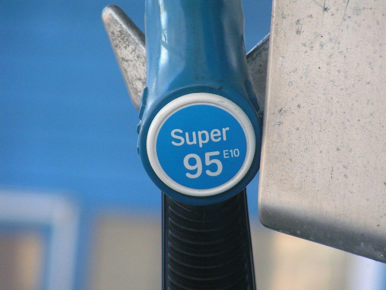 Бензин — не роскошь, а средство подорожания
