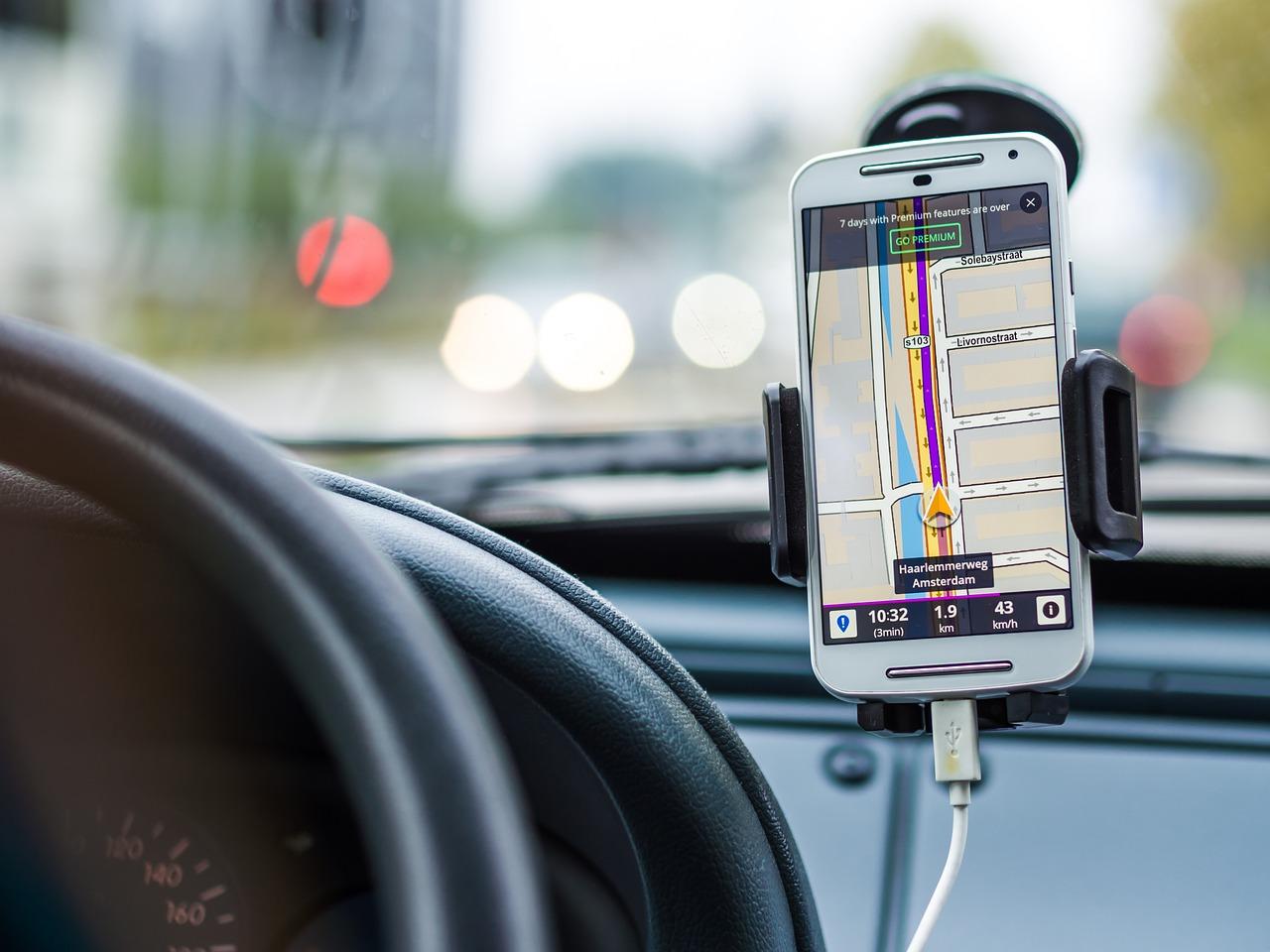 10 полезных приложений для автомобилистов