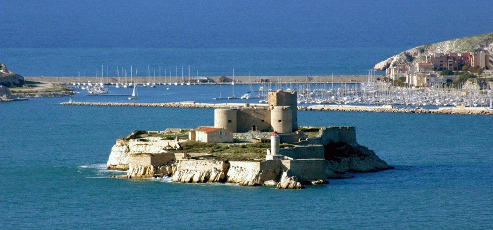Monte-Cristo_if_castle_-_marseille_France_by_JM_Rosier