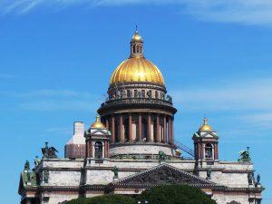 15 лучших мобильных приложений о Петербурге