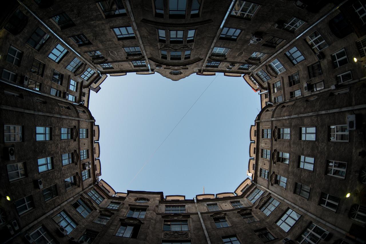 В какие квартиры инвестировать в Петербурге