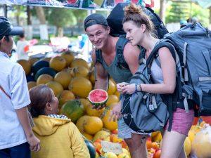 Как обманывают туристов: уличные мошенники