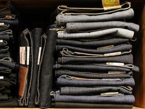 Как складывать вещи компактно: наводим порядок в шкафу