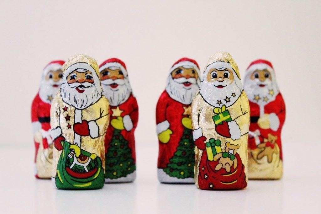 santa-clauses-1101214_1280