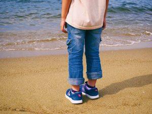 Как поехать в отпуск с ребенком во время учебного года