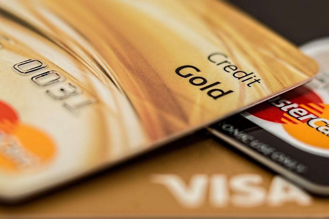 7 способов сэкономить на кредитной карте
