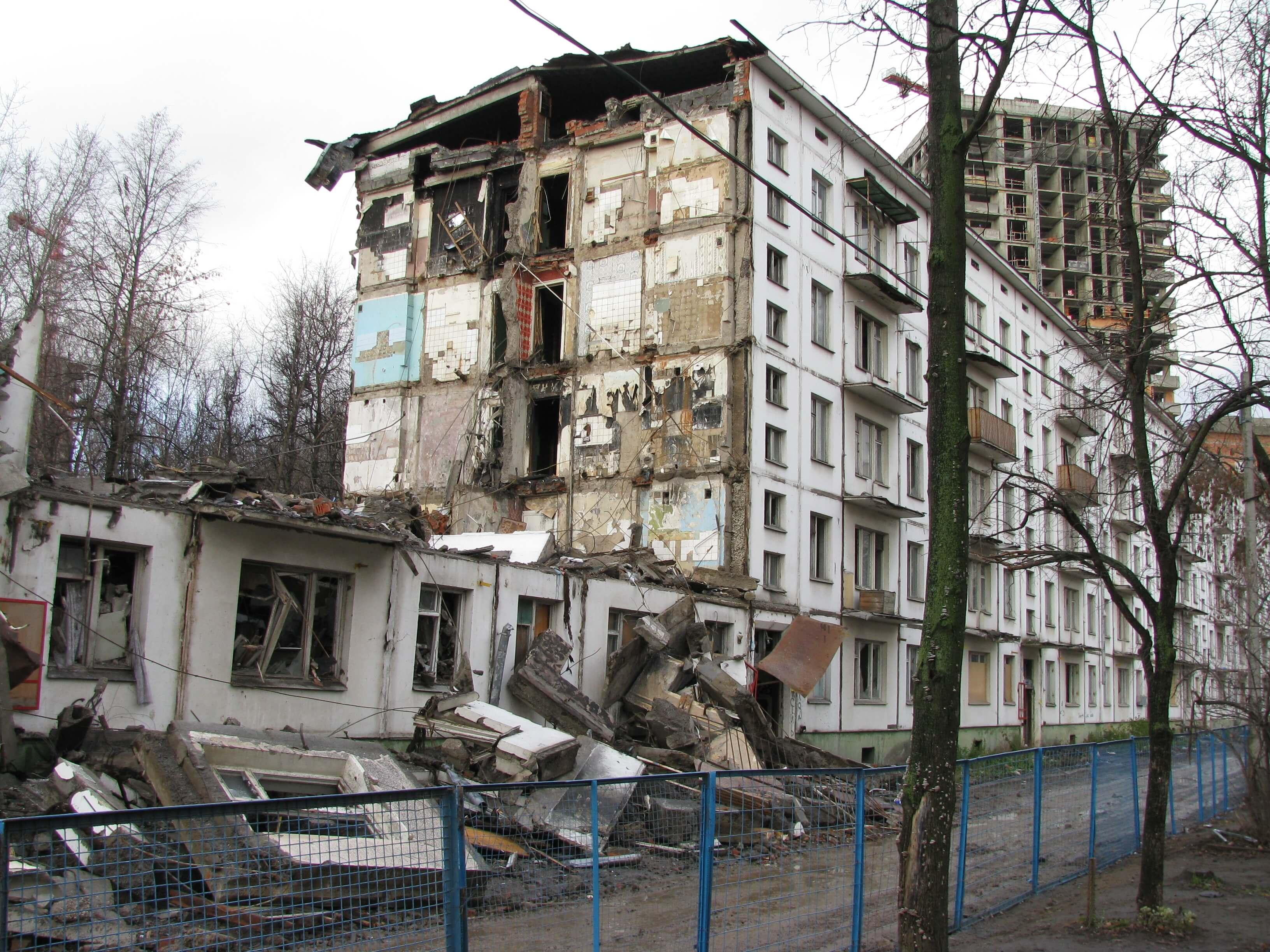 Снос пятиэтажек: работает ли в России право на частную собственность