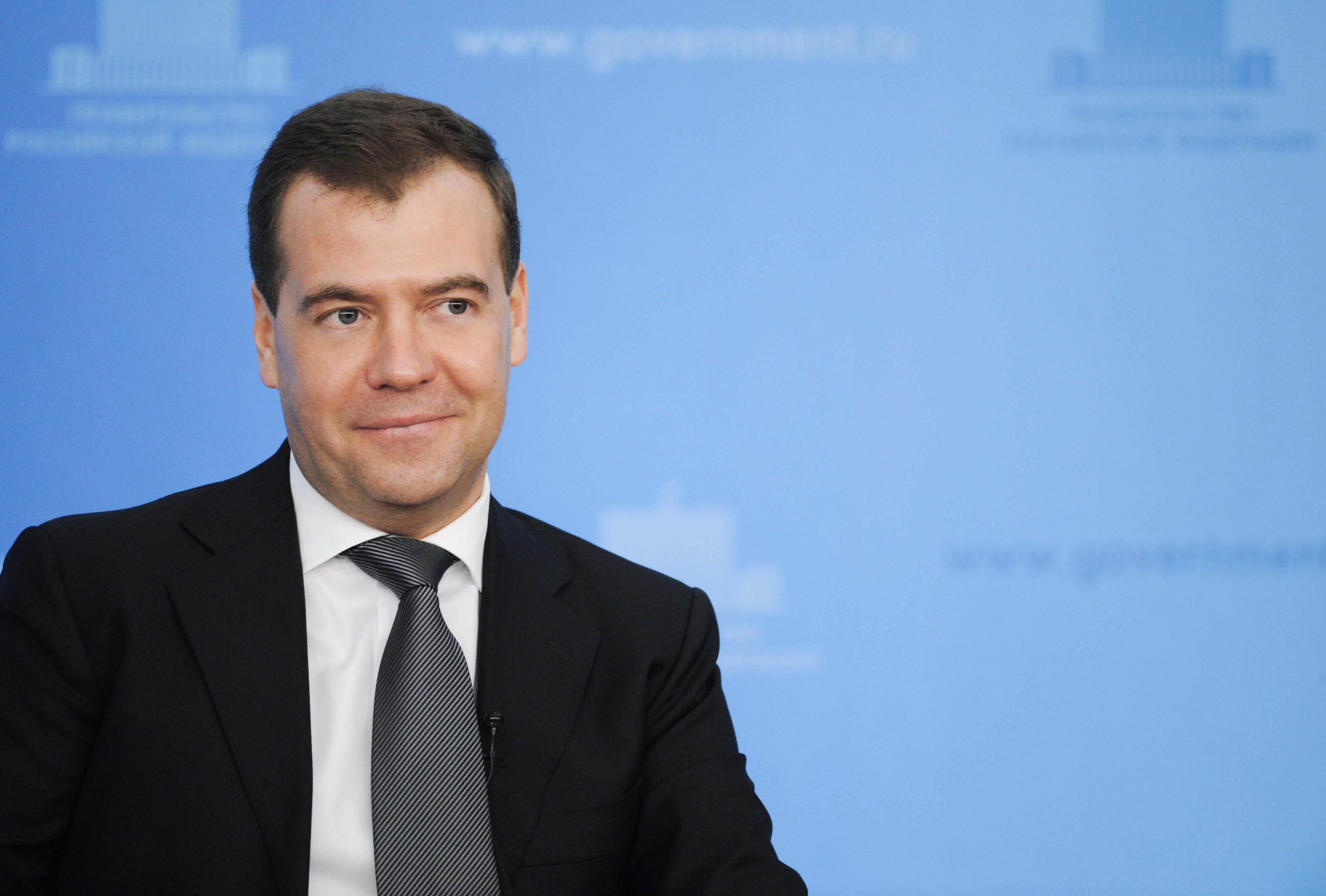 Сколько зарабатывает Медведев