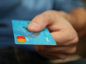 Как банки привлекают клиентов