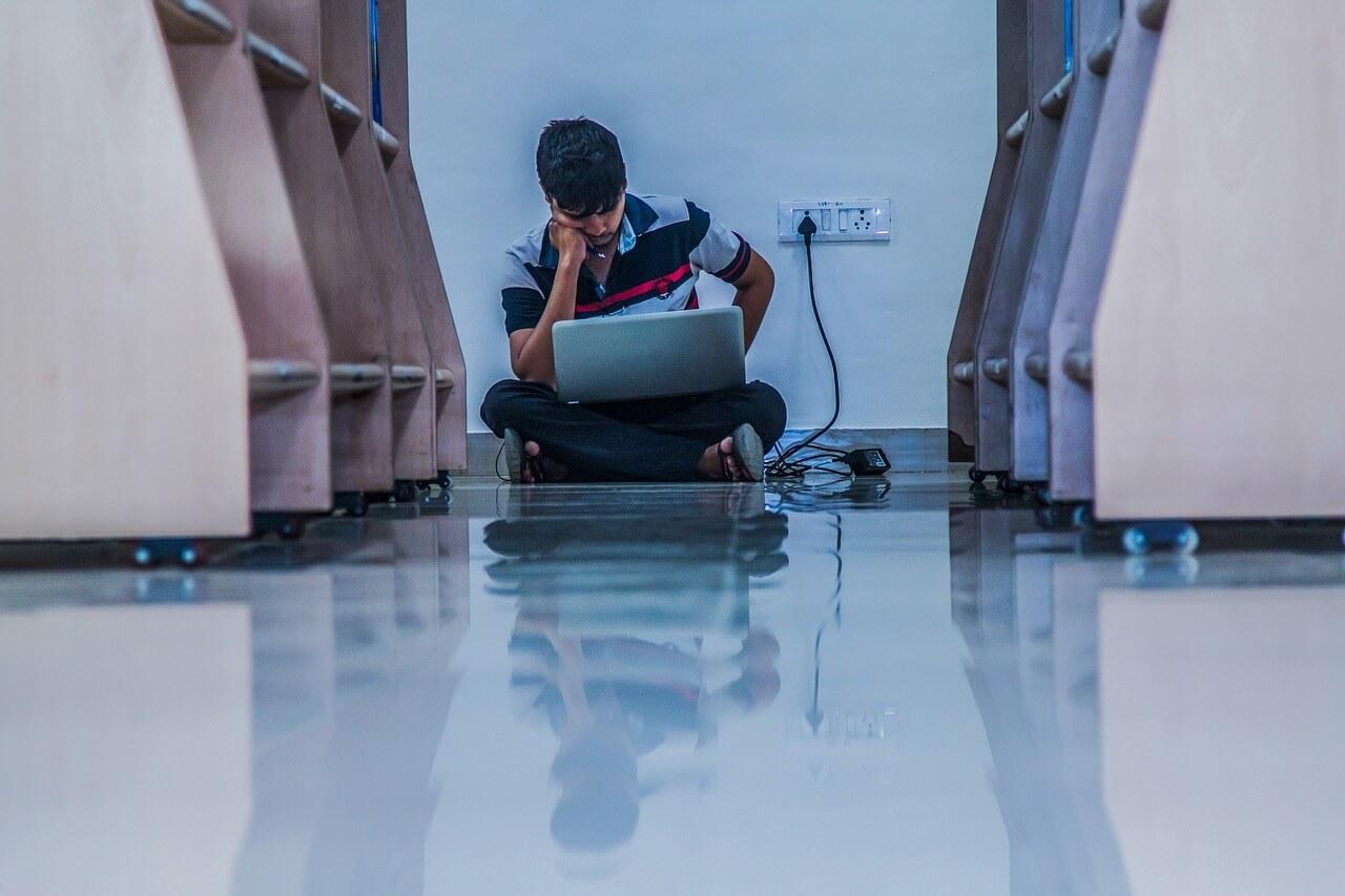 Как студенту искать работу