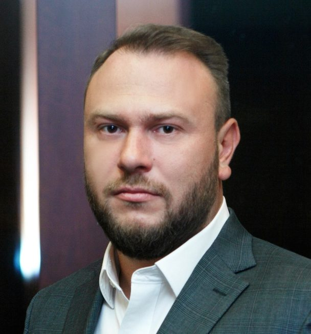 Антон Детушев